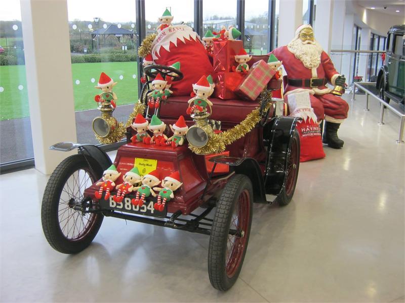 Christmas at haynes in sherborne dorset for Crown motor inn gun hill