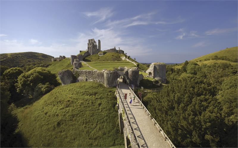 Open air Shakespeare at Corfe Castle: The Tempest